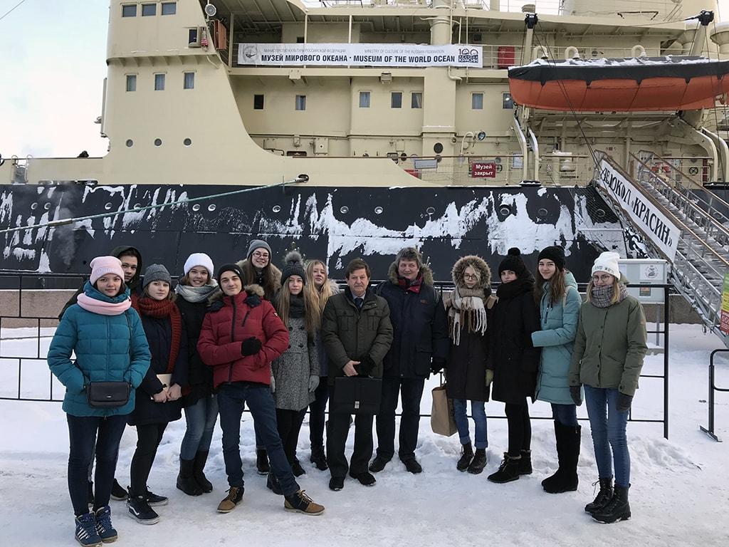 На борту ледокола «Красин»
