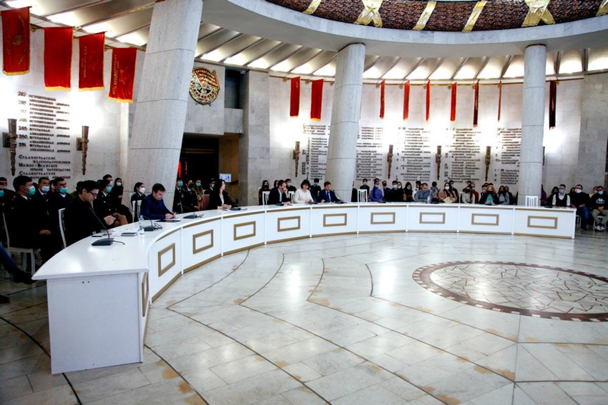 В Волгограде завершился крупный научный форум
